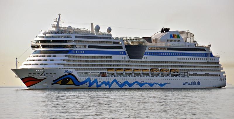 AIDAMAR. Rakennettu Meyer Werft:n telakalla Papenburgissa Saksassa 2012. 252x35m. Syväys 7,3m. Aida Cruises. Italia