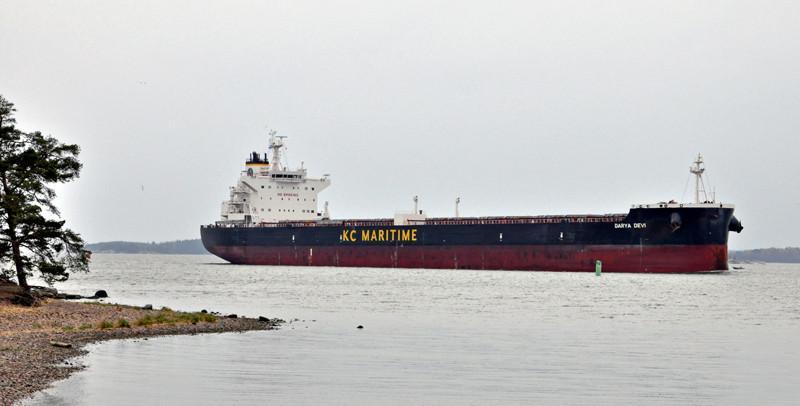 DARYA DEVI Rakennettu 2013, Romania. 229X32m. Syväys 14,5m. Bulk Carrier. Korkeus kölistä antenniin 51,9m. Lastikapasiteetti 92428 m3. Tankkikapasiteetti 155 m3 MDO. 356 m3 FW. Pääkone MAN B&W 6s60, 8640 KW. Devi Navigation, Hong Kong. Operointi: KC Maritime LTD. Lippu: Hong Kong.