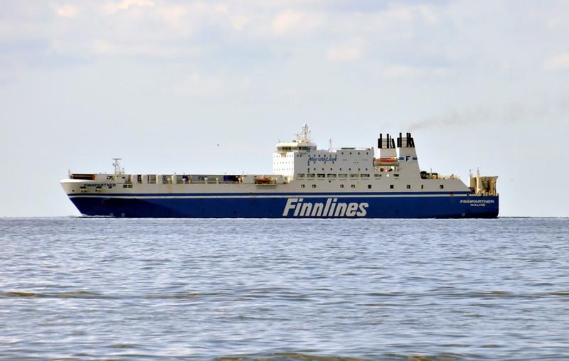 FINNPARTNER. Rakennettu 1995, Puola. 183X29m. Syväys 7,4m. Nopeus 21 solmua. Kaista km 3,0. Konttikapasiteetti 130 TEU. Finnlines. Lippu: Ruotsi.