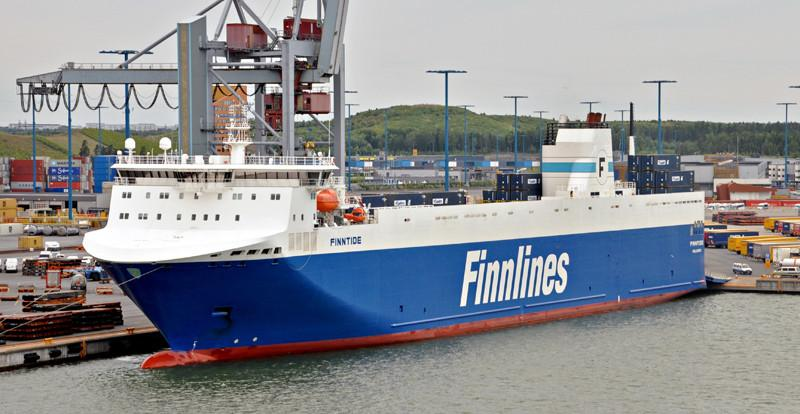 FINNTIDE. Rakennettu 2012, Kiina. 188X26m. Syväys 6,9m. Konttikapasiteetti 470 TEU. Kaistakilometrit 3,3. Finnlines.
