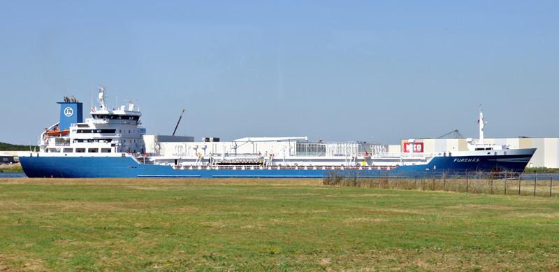 FURENÄS. Rakennettu 1998, Romania. 136X21m. Syväys 8m. Öljy/kemikaalitankkeri. Pääkone 5400 KW. Nopeus 15 solmua. Polttoainekapasiteetti 596 m3. Omistaja: SP/F NOLSØ SHIPPING . Lippu: Fäärsaaret.