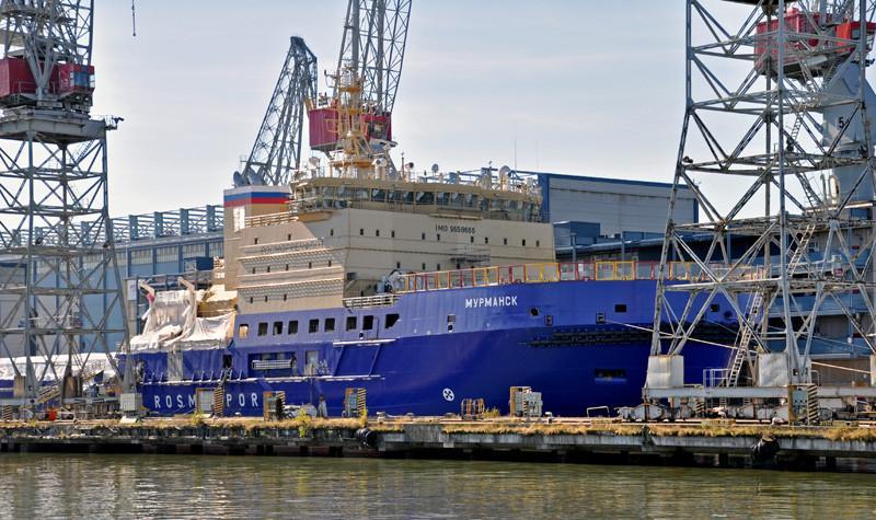 MURMANSK. Arctech, Helsinki. 119x27m. Jäänmurtaja. Neljä pää dieselgeneraattoria, teho 27MW. Laiva kykenee operoimaan jopa -40°С pakkasessa ja sen jäänmurtokyky on 1,5 metriä. Rosmorport, Venäjän liikenneministeriö. Lippu: Venäjä