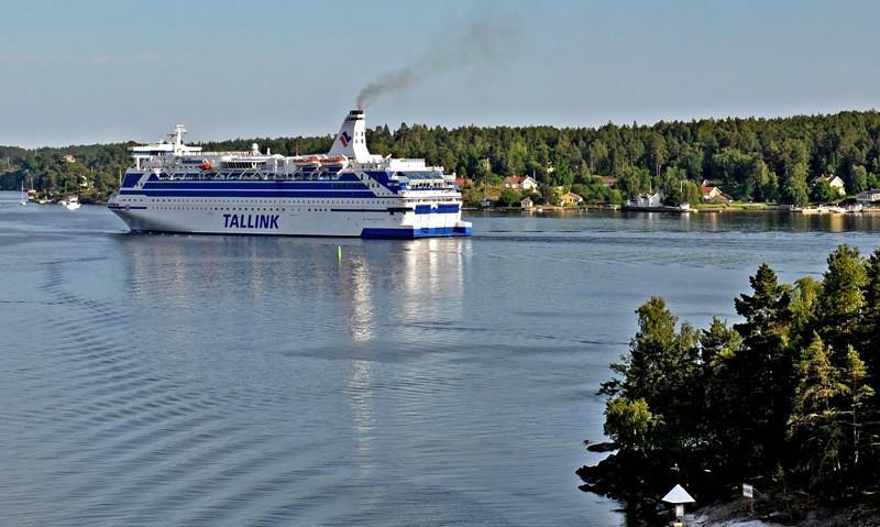 SILJA FESTIVAL. Rakennettu Wärtsilän Helsingin telakalla 1986.(Wellamo) 171x28m, syväys 6,6m. Lippu: Latvia. Tammikuussa 2014 Silja Festival vuokrataan Kanadaan, Bridgemans Services yhtiölle. Alusta käytetään rakennustyöläisten asuntolaivana Kitimatin kaupungissa, Kanadan Brittiläisessä Kolumbiassa. Kaupunki sijaitsee Tyynen valtameren rannalla, lähellä Alaskaa. 2.3.2014 Alus saapui Vancouveriin, josta 9.3.2014 alus jatkoi matkaa kohti Kitimatia, jonne saapui 10.3.2014 klo 16.00 suomen aikaa. Alus myyty Bridgemans Services ltd:lle. Toimitus Huhtikuussa 2015. Em. sopimus Aluksen myynnistä on peruttu. Alus myydään Medinvest Spa:lle, Italia. ( Corsica Ferries). Toimitus kesäkuussa 2015. Silja Festival lähti Kitimatista keväällä 2015 Vancouveriin, josta 4.5.2015 jatkoi matkaa Panaman kanavan kautta kohti Italiaa. Saapui Italian Savonaan 1.6.2015. Kesäkuu 2015: laivan uusi nimi Mega Andrea. Lippu: Italia