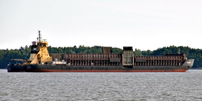 STEEL. ( Proomu Botnia) Rakennettu 1986, Rauma, Finland. 41x14m. Työntäjä. Pääkoneet 2x 6 ZAL 40, x2 3840 KW. ESL Shipping.